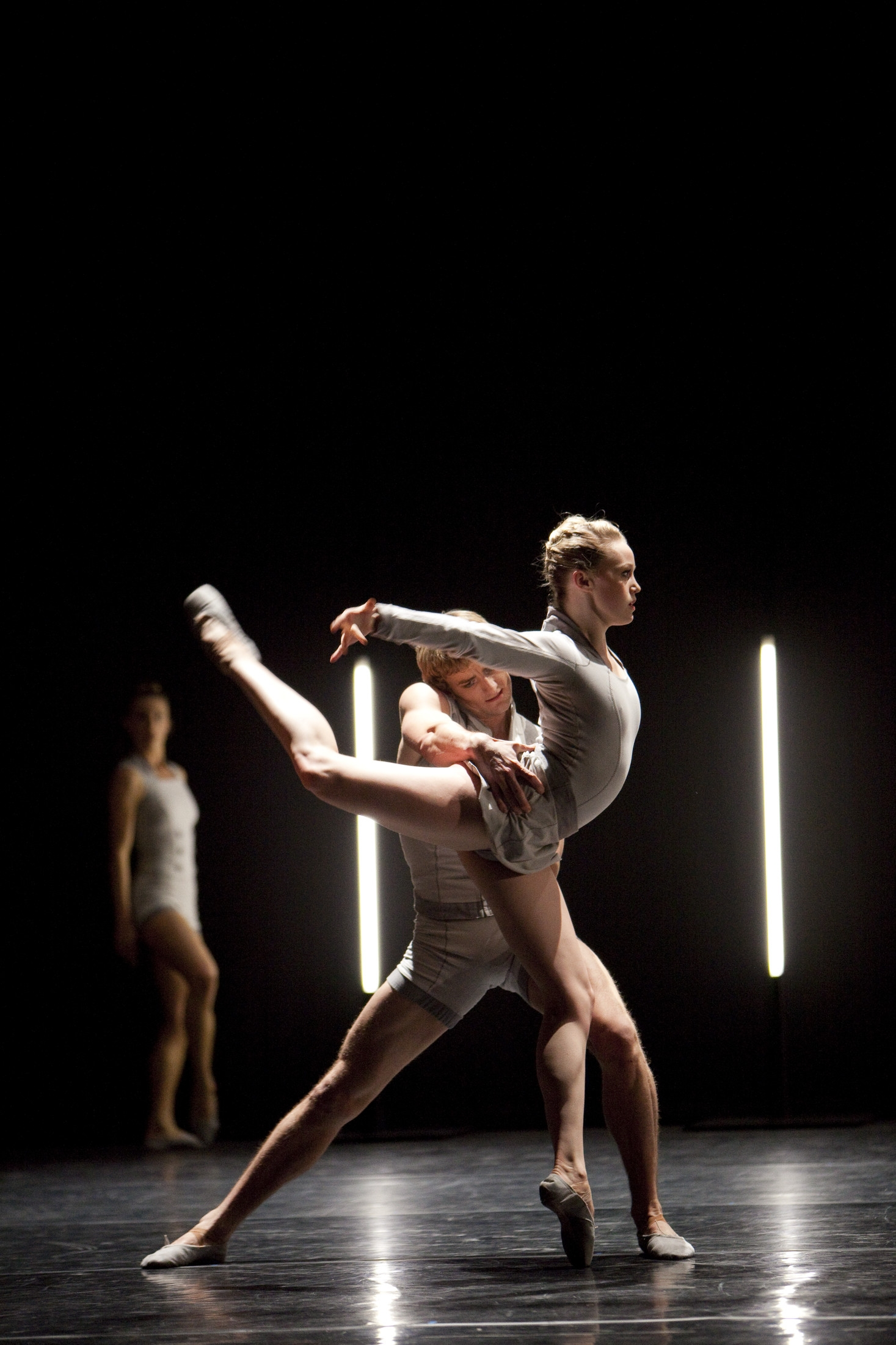 Dusty Button and Aaron Robison in BRB's The Centre and its Opposite Photo: Bill Cooper Source: BRB ©